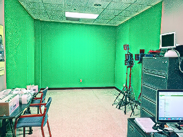 XR Lab room 215A. Green wall