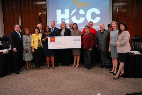 Top News | Wells Fargo Bank shows continued support for student ...